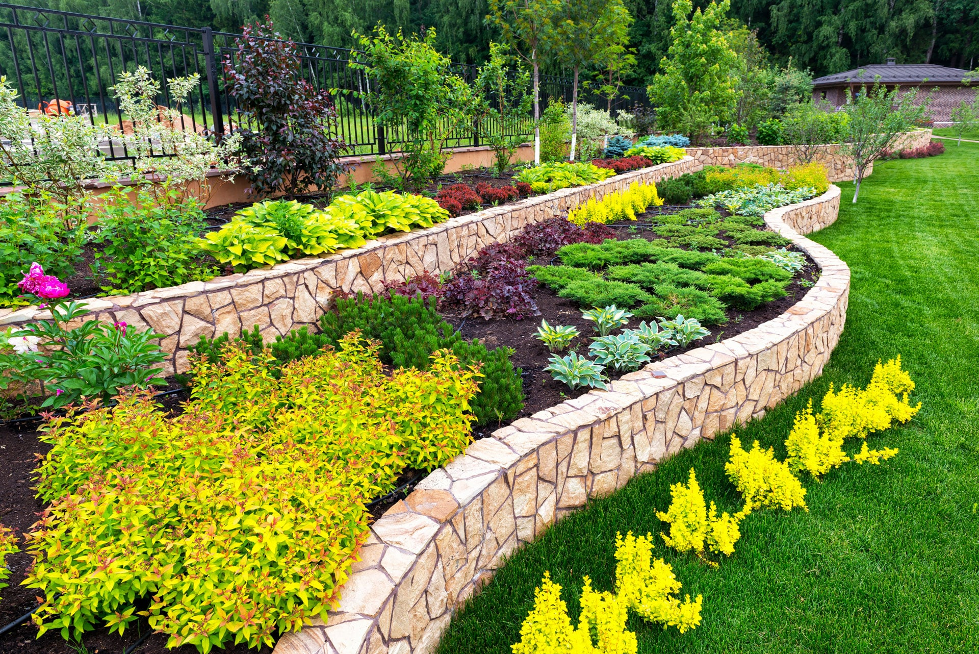Reach Out To A Landscaping Contractor In Canton, GA